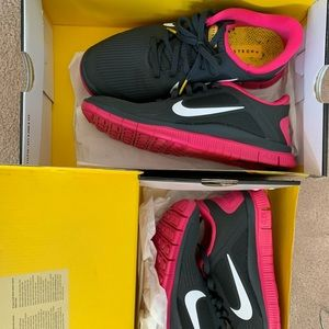 NEW NIKE FREE RUN 4.0 (discontinued) livestrong